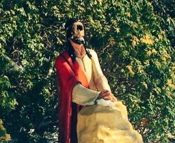 2018-03-15 Statue damaged on Long Island