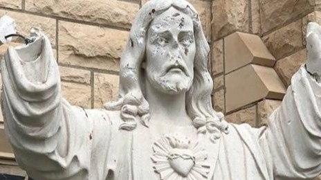2018-04-24 Damage to church statue